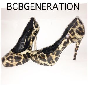 Leopard print point toe platforms BCBGENERATION 6M